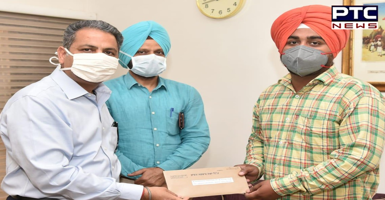 Vijay Inder Singla hands over appointment letters to 34 newly-appointed employees in education dept