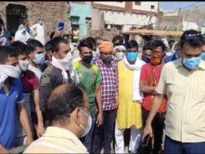 7 killed due to poisonous drinking in aligarh many in critical condition villagers claim 19 people died due to contractual drinking