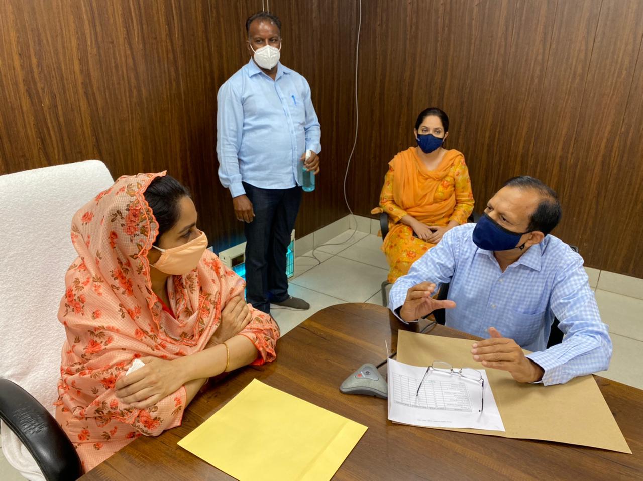 Amid fight against coronavirus, Harsimrat Kaur Badal has given Rs 1.43 cr to Mansa DC for establishing a PSA oxygen plant in a civil hospital.