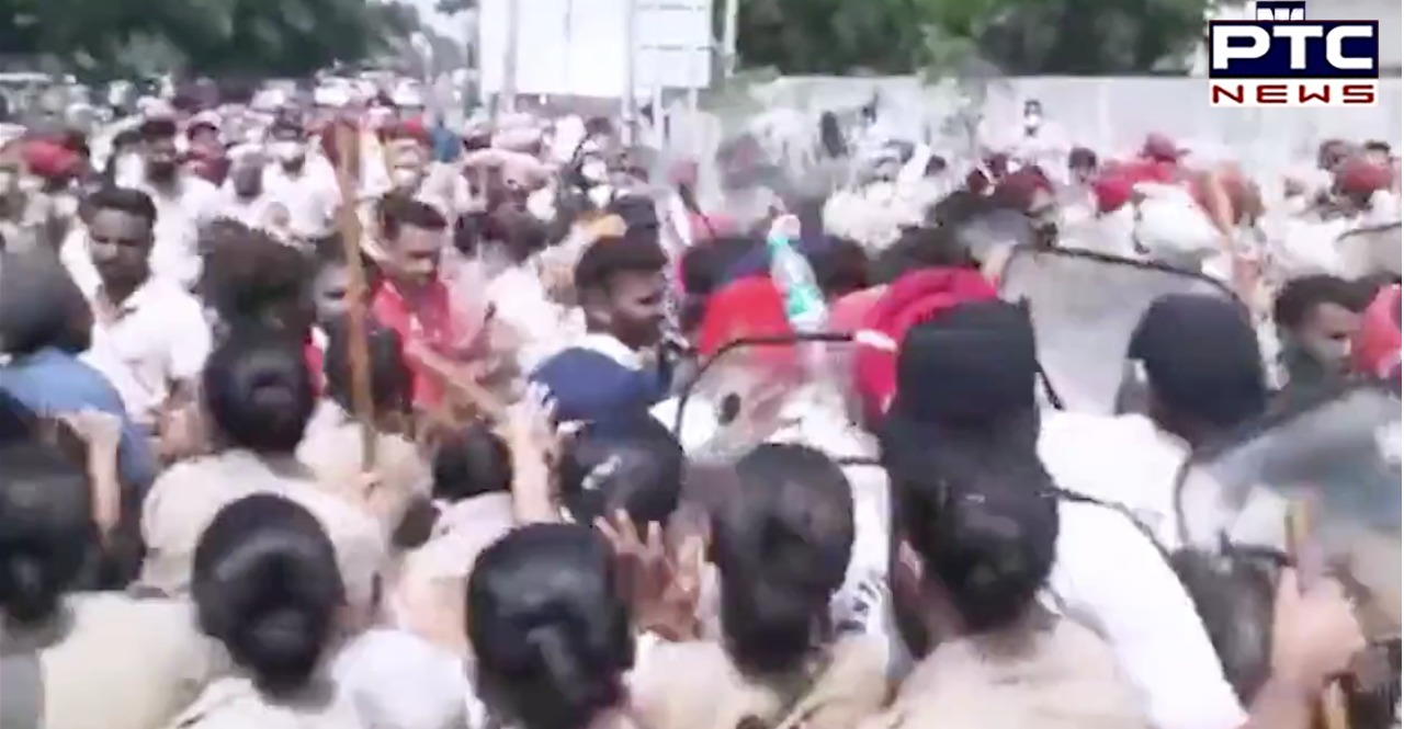 Unemployed teachers lathi-charged in Patiala for attempting to enter CM's residence