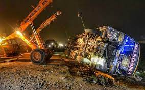 Kanpur Accident : 17 killed, 4 injured as bus collides with auto in Sachendi,PM announces Rs 2 lakh ex-gratia