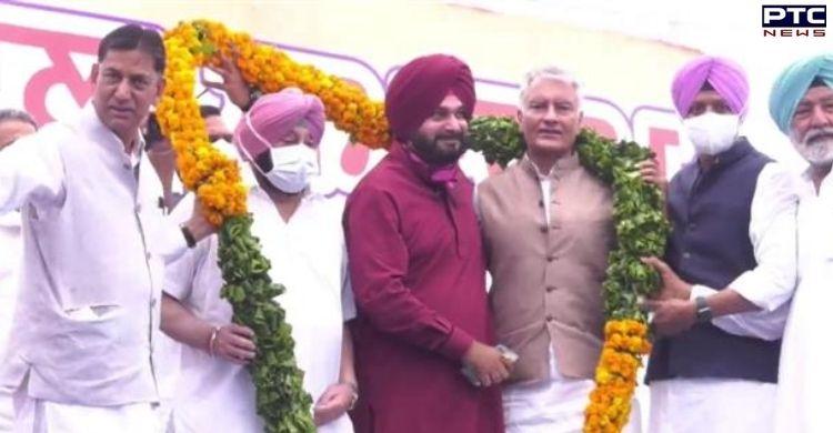 Navjot Singh Sidhu takes charge as Punjab Congress' President