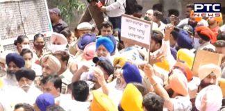 SAD workers protest outside Bharat Bhushan's residence demanding arrest of Simranjit Singh Bains