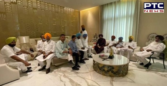 Navjot Singh Sidhu calls party MLAs for breakfast at his residence