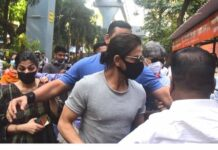 Mumbai cruise drug case: Shah Rukh Khan reaches Arthur Road Jail to meet son Aryan Khan